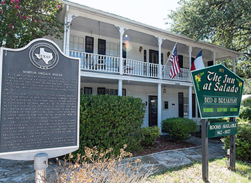 historic stagecoach inn in Salado, Texas