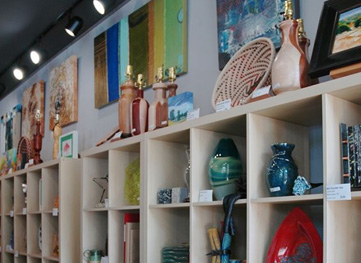 Artisans Connect Gallery in downtown Georgetown