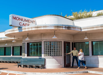 Georgetown's Monument Cafe