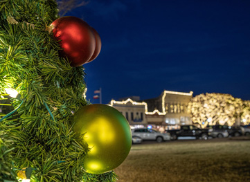 Traditional with a Twist: Georgetown's Holiday Guide