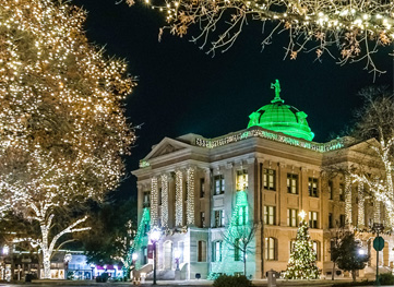 Texas Monthly's List: Where to See Holiday Lights