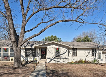 Upscale Home 5 Blocks To Georgetown Square!
